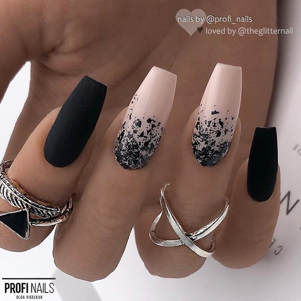 35 cool Designs for black and white Nails You Won't Resist