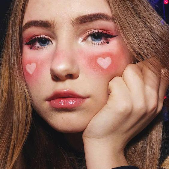 40 Romantic Valentine's Day Makeup Looks Worth Trying Immediately Valentine's Day Makeup, Valentine's Day Makeup Looks, Valentine's Day eye makeup ideas