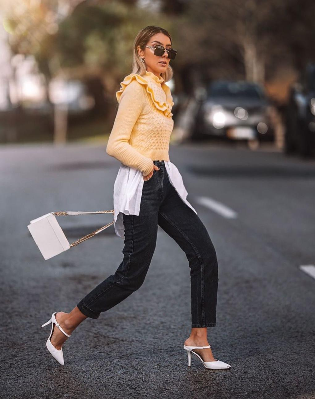 35 Spring Daily Outfit Ideas That Deserve Your Attention 2020 spring outfits,outfits jeans,casual spring outfits,trendy spring outfits,outfits for work,outfits for women,outfits ideas
