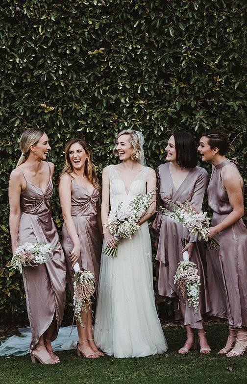 The choice of thoughtful long bridesmaid's clothes bridesmaid's clothes, fashion,long dress, wedding, bride